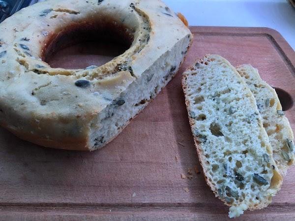 Brot1 - Omnia - der Campingbackofen für Vanlifer + 3 Rezepte