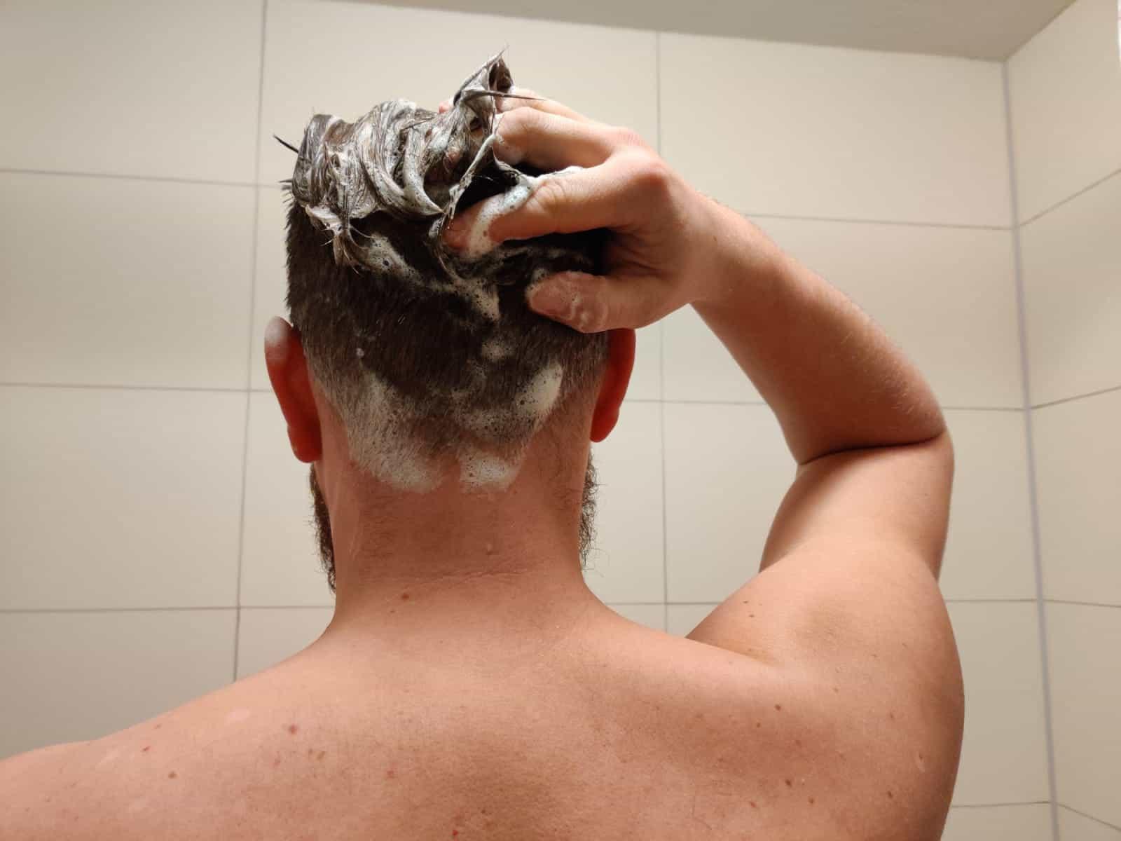 Körperhygiene im Van - Bewusst Haarewaschen und Duschen!